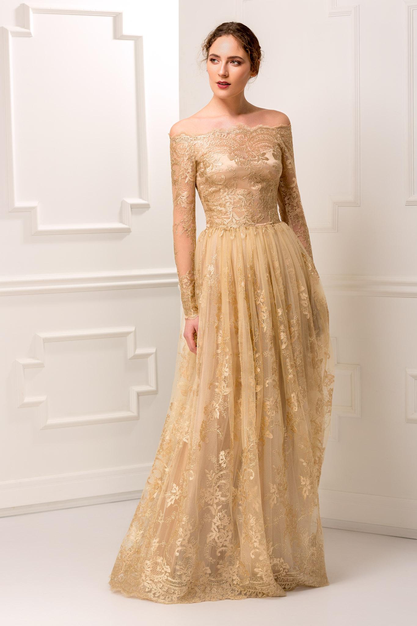 Imagini pentru rochii auriu