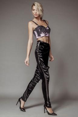 Pantaloni cu fald, din catifea elastica