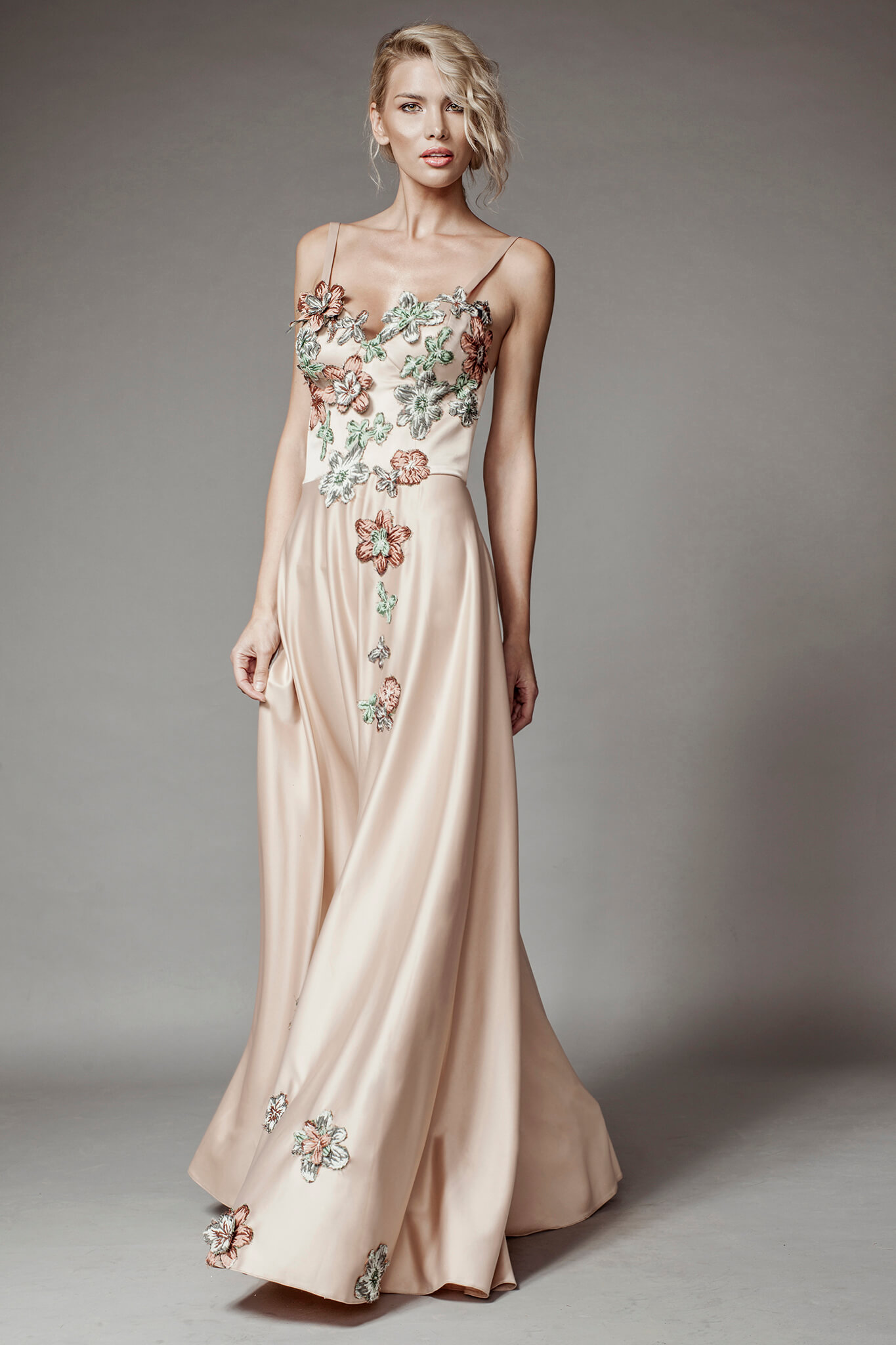 45803a6ed2 Long dress with corset and floral lace details - Aida Lorena Atelier