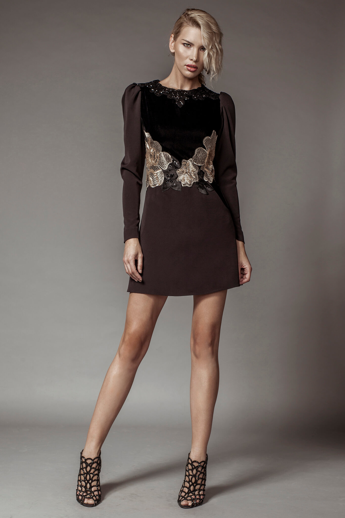 Short velvet and lace dress