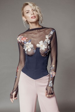 Tulle top with short corset and floral lace and wide lycra pants