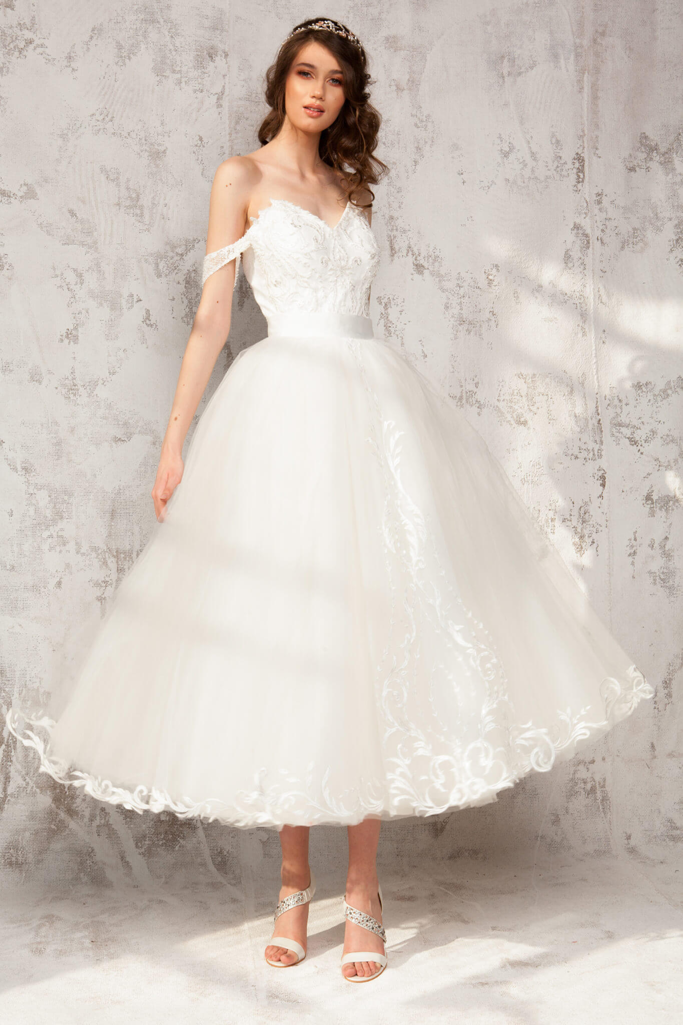 Tafetta Dress With Chantilly Lace And Embroidery Beads Skirt ¾ Of