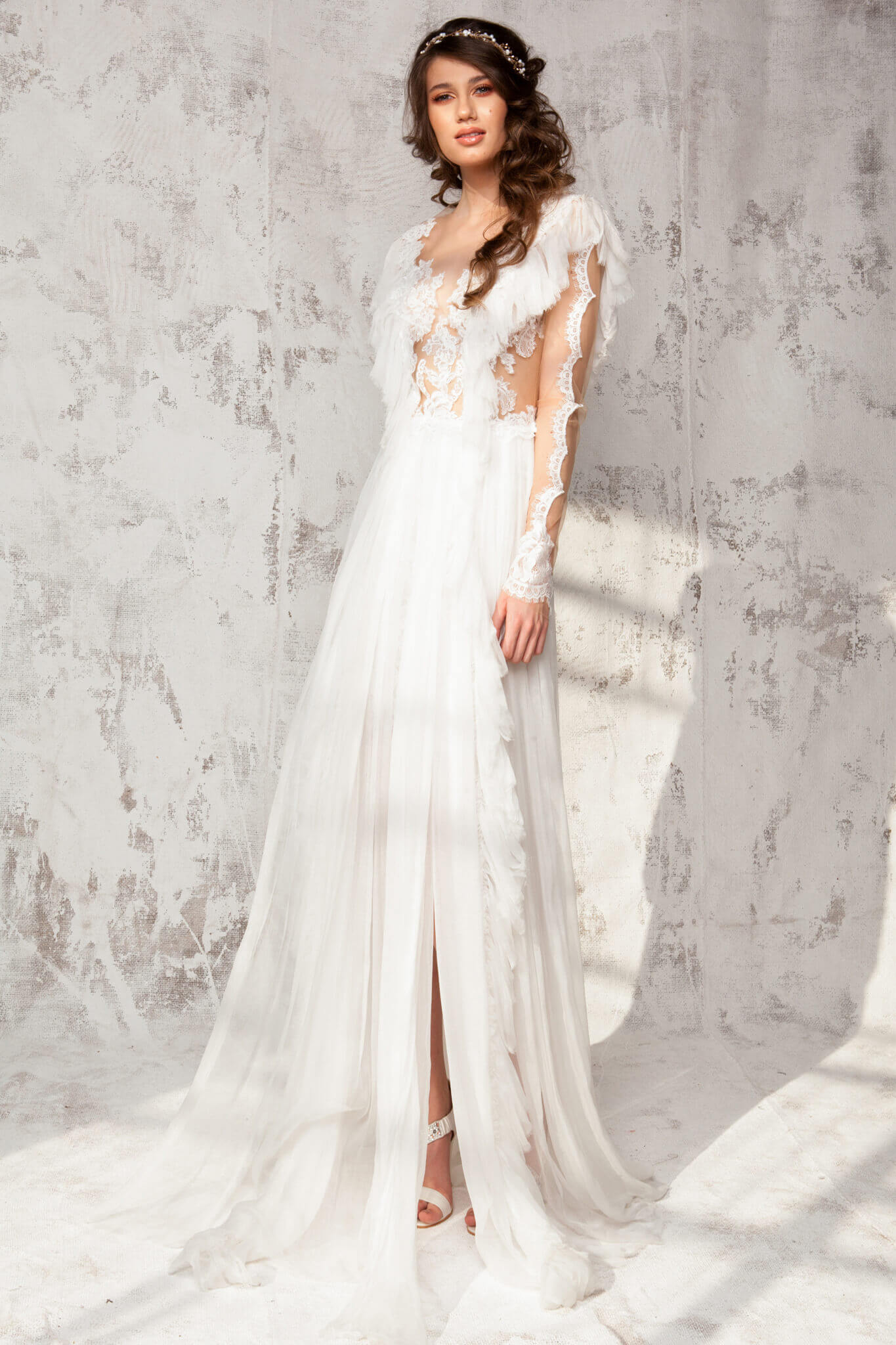 Lace and silk veil dress with long sleeves and lace hand-made ...