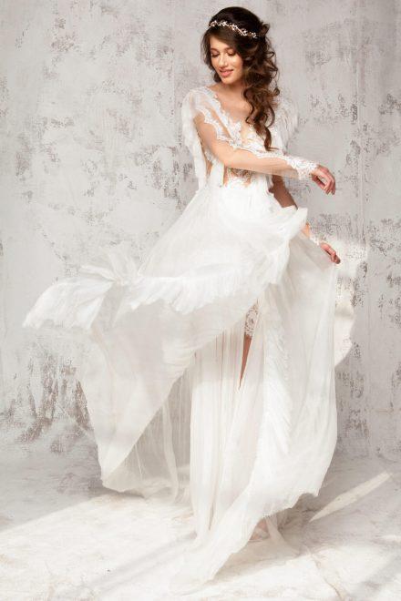Rochie din dantela si voal de matase, cu maneca lunga si aplicatii manuale de dantela Isabella - Colectia Dreamcatcher Aida Lorena Atelier