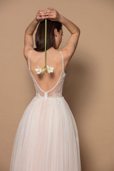 rochie-din-tulle-cu-buline-si-dantela-gloria-colectia-phoenix-aida-lorena-atelier-detaliu