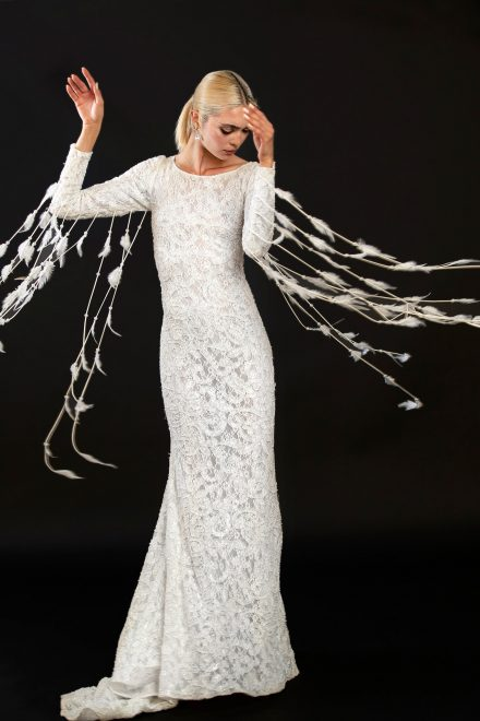 rochie-din-dantela-elastica-brodata-cu-perle-si-franjuri-de-pene-3-colectia-sfera-by-aida-lorena-atelier