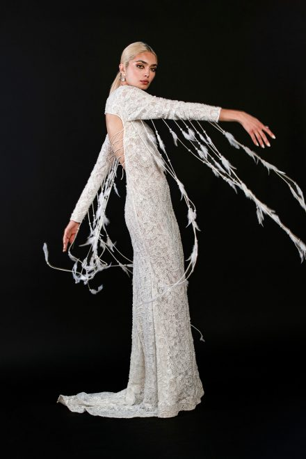 rochie-din-dantela-elastica-brodata-cu-perle-si-franjuri-de-pene-8-colectia-sfera-by-aida-lorena-atelier