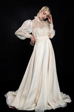 rochie-din-organza-de-matase-cu-corset-si-aplicatii-de-nasturi-1-colectia-sfera-by-aida-lorena-atelier