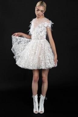 rochie-din-tulle-de-matase-cu-broderie-manual-3d-cu-pene-1-colectia-sfera-by-aida-lorena-atelier