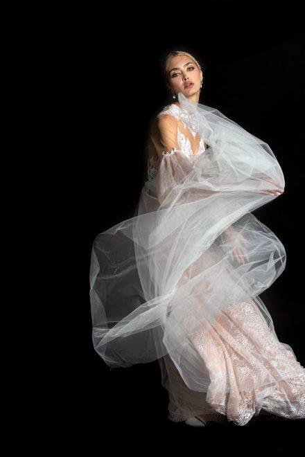 rochie-din-tulle-de-matase-cu-dantela-chantilly-4-colectia-sfera-by-aida-lorena-atelier