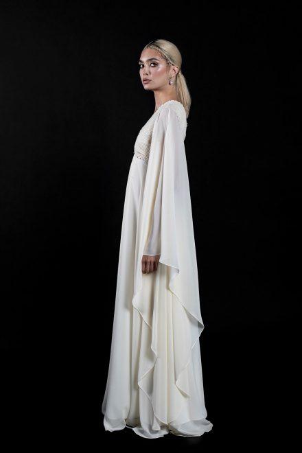 rochie-din-voal-cu-maneci-supradimensionate-si-broderie-din-bumbac-3-colectia-sfera-by-aida-lorena-atelier